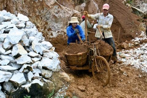 Travaux publics à Sapa dans le nord du Vietnam